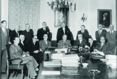 Bild 050: Die Viererkoalition unter Wilhelm Hoegner [Bildarchiv Bayerischer Landtag]