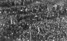 Bild 028: Kundgebung von MSPD und USPD anlässlich des Wiedervereinigungsparteitags [Bildarchiv Hofmann]