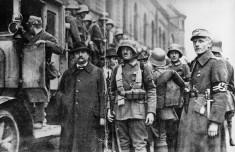 Bild 033: Verhaftung sozialdemokratischer Stadträte während des Hitler-Putsches [Archiv der Sozialen Demokratie]