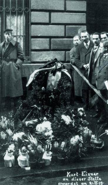Bild 018: Mahnwache nach der Ermordung Eisners [Bildarchiv Hofmann]
