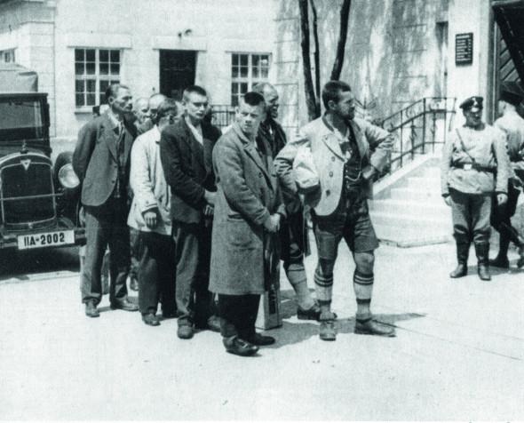 Bild 038: Sozialdemokraten werden nach Dachau gebracht [Bildarchiv Hofmann]